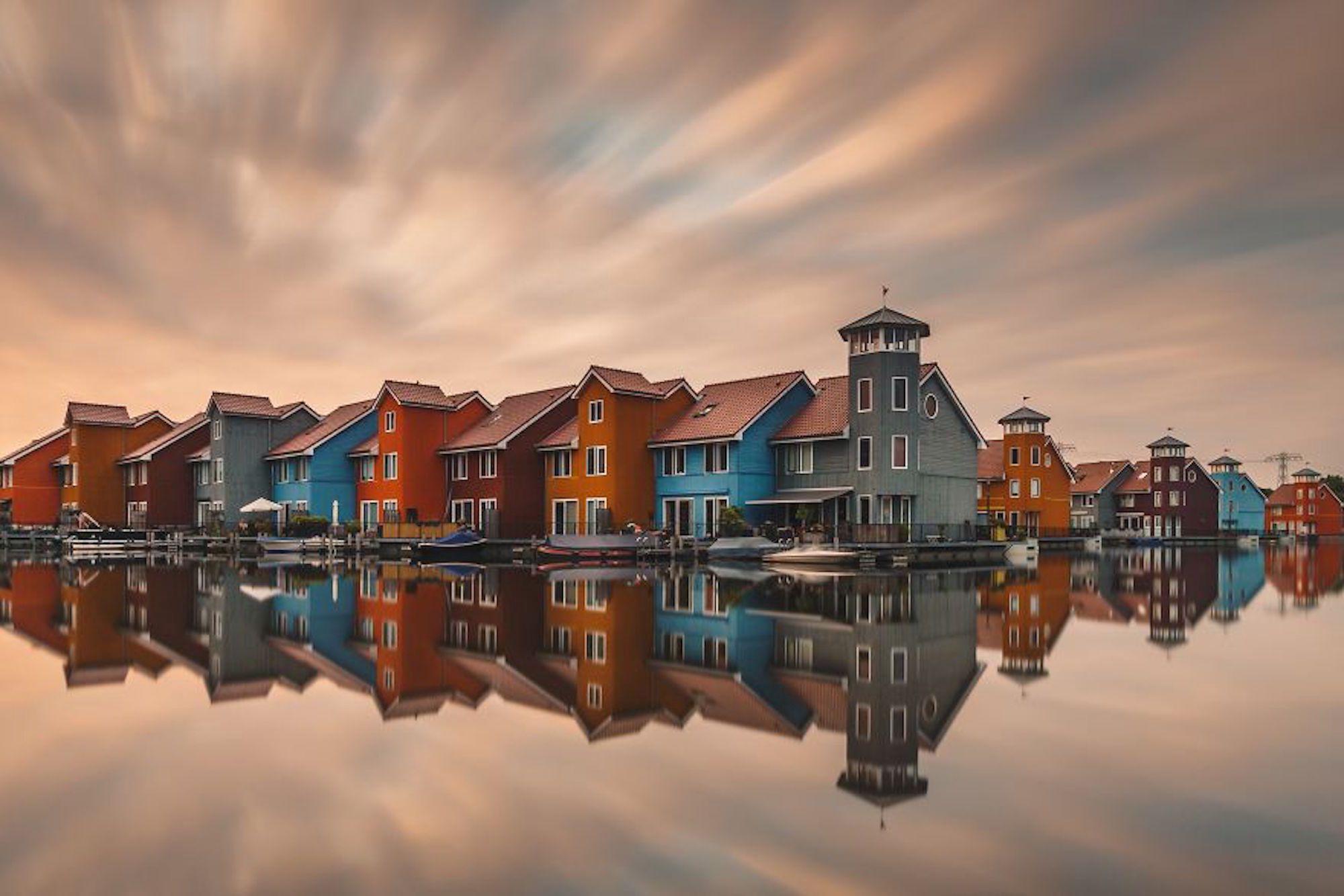 Foto de pôr do sol na cidade de Groningen, Holanda