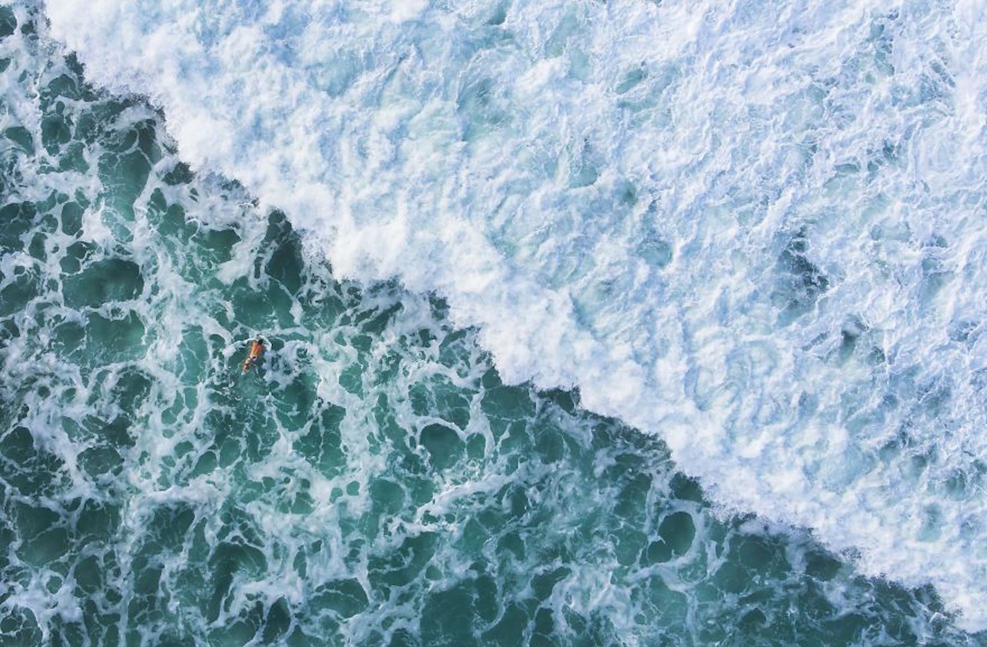 Foto tirada perto das Ilhas Nias, um famoso destino de surf
